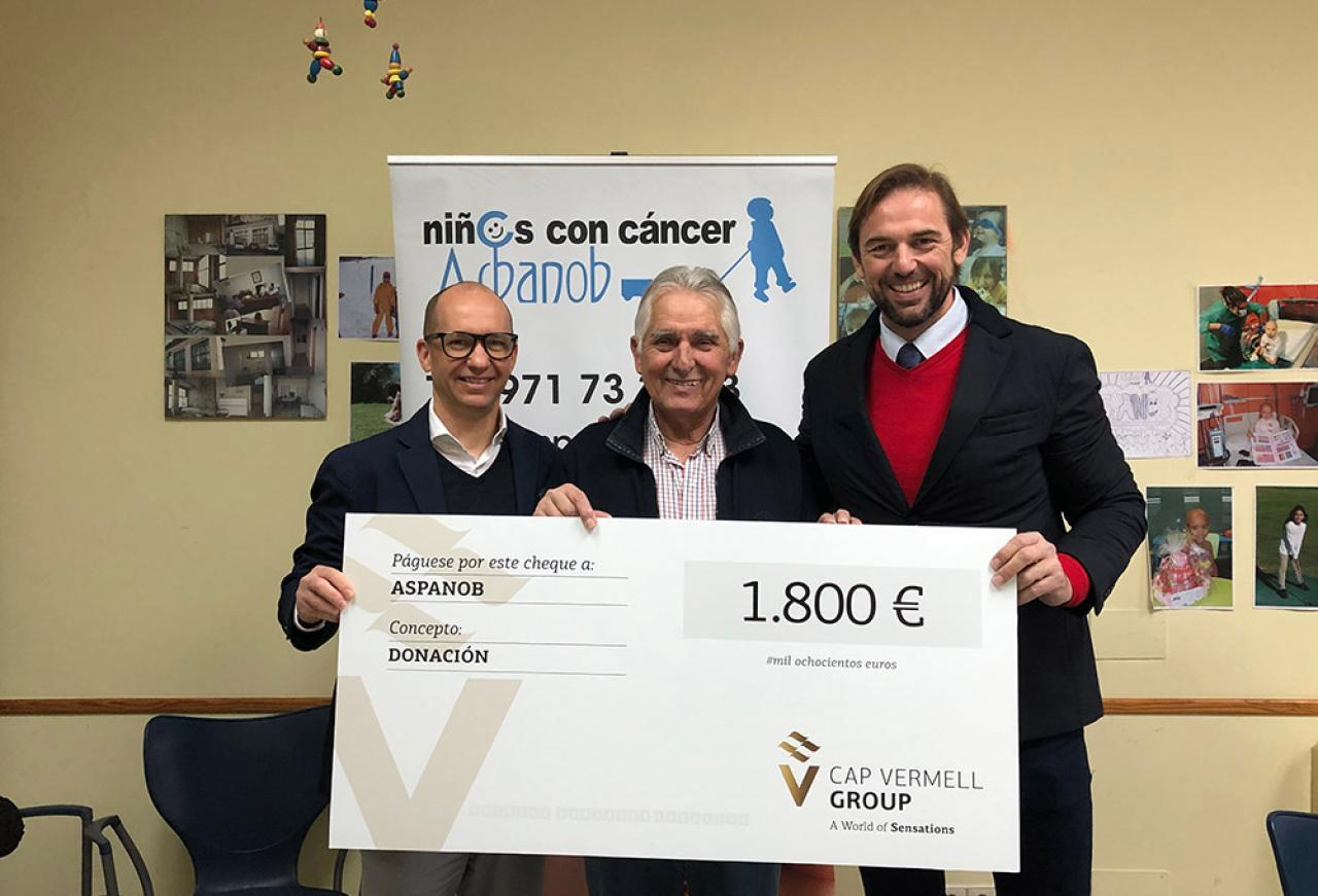 CAP VERMELL GROUP DONATES 1800 EUROS TO ASPANOB FROM ITS CHRISTMAS...