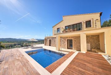 Cap Vermell Estate, a place of privilege within your re...