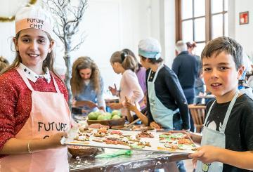 Cap Vermell Group hosts the second Christmas cookie wor...